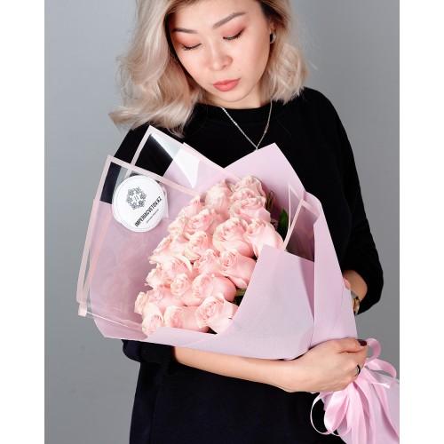 Купить на заказ Заказать Букет из 25 розовых роз с доставкой по Костанаю с доставкой в Костанае