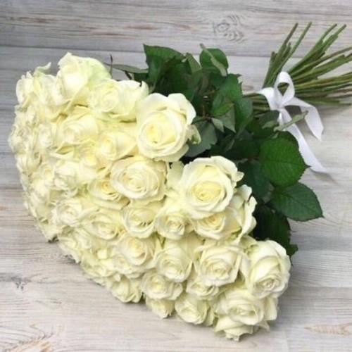 Купить на заказ Заказать Букет из 51 белой розы с доставкой по Костанаю с доставкой в Костанае