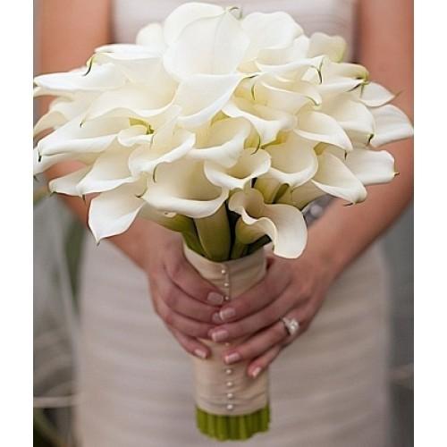 Купить на заказ Букет невесты из 37 калл с доставкой в Костанае