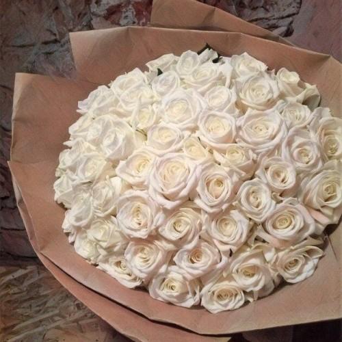 Купить на заказ Заказать Букет из 101 белой розы с доставкой по Костанаю с доставкой в Костанае